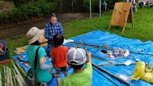 竹細工で水鉄砲